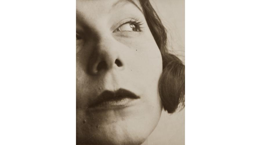 LÁSZLÓ MOHOLY-NAGY Portrait of Ellen Frank, circa 1929