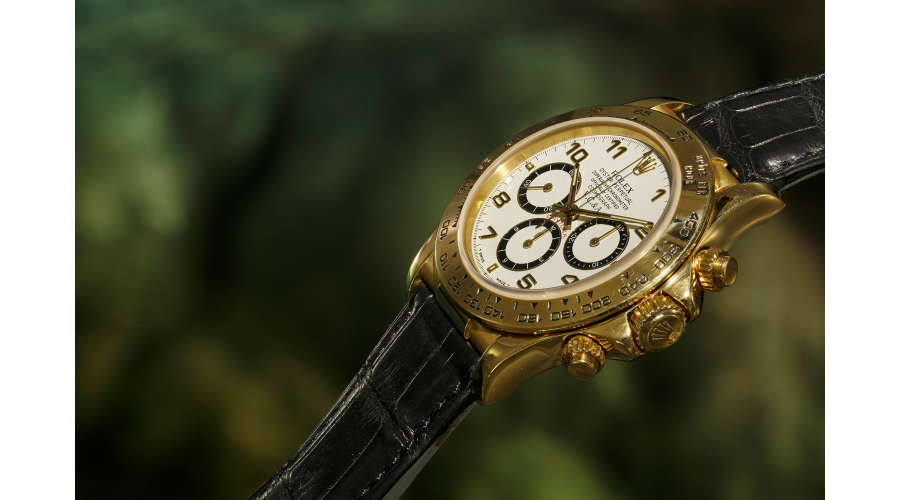 ROLEX Van Cleef & Arpels Daytona Ref. 16518. The Van Cleef & Arpels signature on the dial is unusual and renders this wristwatch a one-of-a-kind piece.