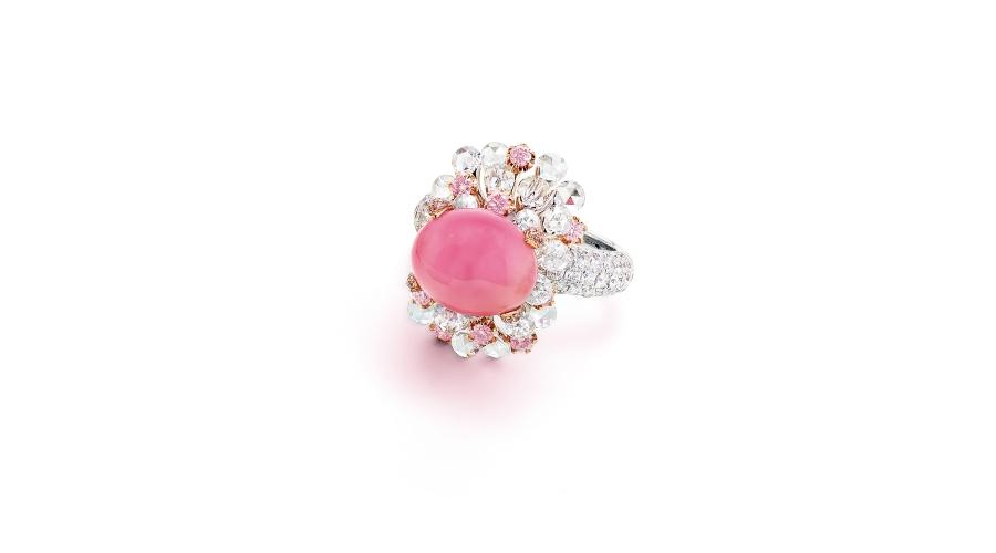 KAREN SUEN A Conch Pearl, Pink Diamond and Diamond Ring