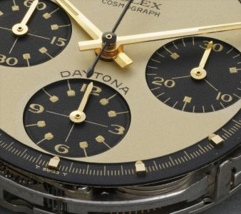 A highly attractive, beautifully preserved and rare 14K yellow gold chronograph wristwatch