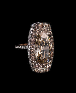 SHIELD RING diamonds and gold © Lauren Adriana, photographed by Richard Valencia