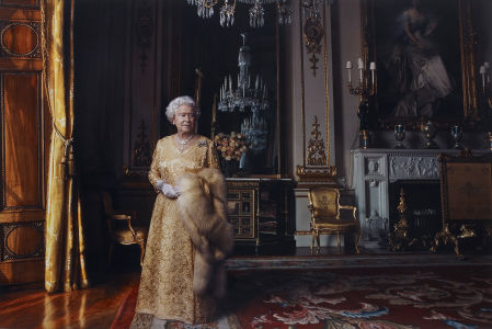 ANNIE LEIBOVITZ, Queen Elizabeth II, The White Drawing Room, Buckingham Palace, London, 2007