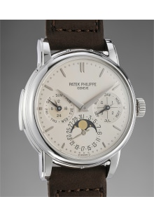 Patek Philippe - An incredibly rare and attractive platinum minute repeating perpetual calendar wristwatch with phases of the moon