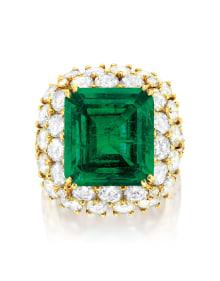 Van Cleef & Arpels - An Emerald and Diamond Ring, Van Cleef & Arpels