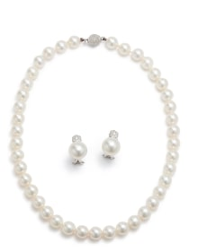 NoArtist - A Set of Cultured Pearl and Diamond Earrings and Necklace