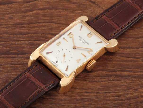 A rare rectangular yellow gold wristwatch with unusual lugs