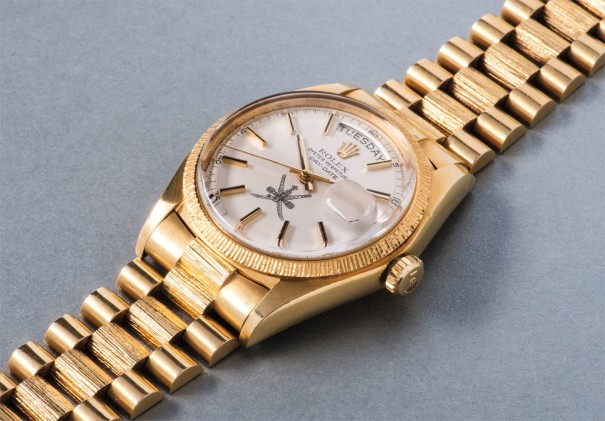 A very rare and attractive yellow gold calendar wristwatch with gold bracelet, made for the Sultanate of Oman