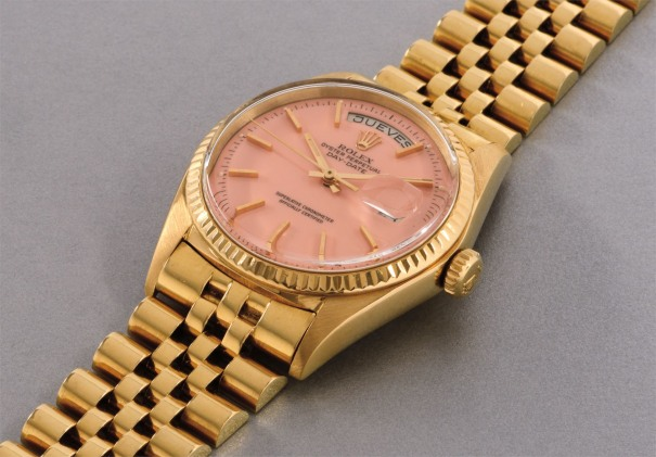 A fine and rare yellow gold calendar wristwatch with baby pink 'Stella' dial, date, center seconds and bracelet