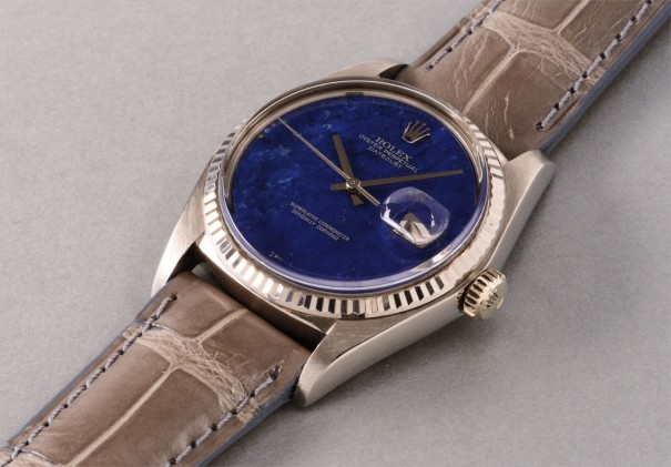 An attractive and very well preserved white gold wristwatch with lapis lazuli hard stone dial