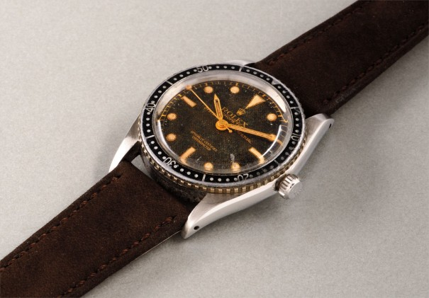 An extremely rare and attractive stainless steel diver's wristwatch with honeycomb dial and center seconds