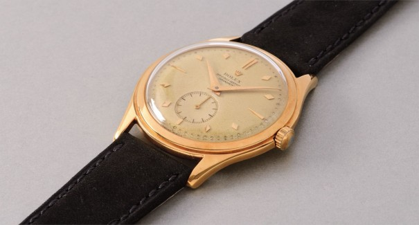 An elegant and attractive yellow gold wristwatch