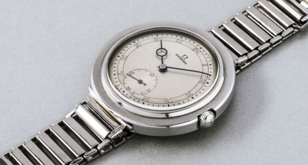 A fine and rare oversized stainless steel wristwatch with two-tone dial and bracelet