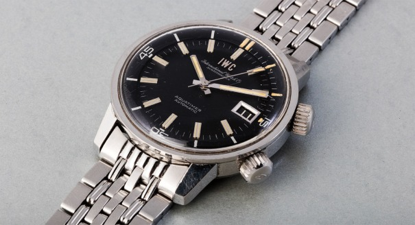 A fine and rare stainless steel wristwatch with centre seconds, date and bracelet