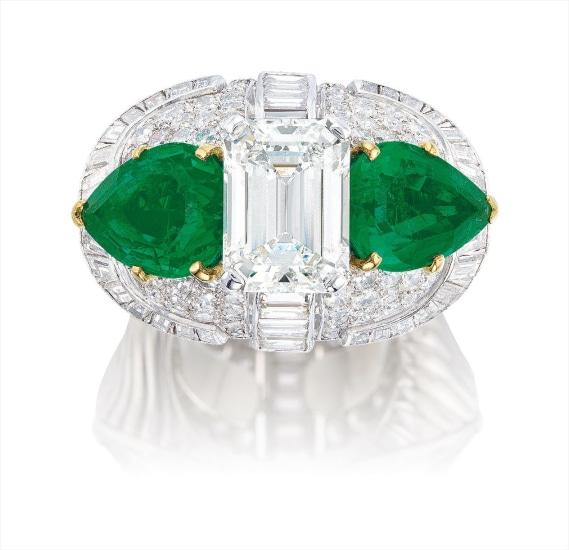 A Diamond and Emerald Ring, Monture Cartier, Circa 1950