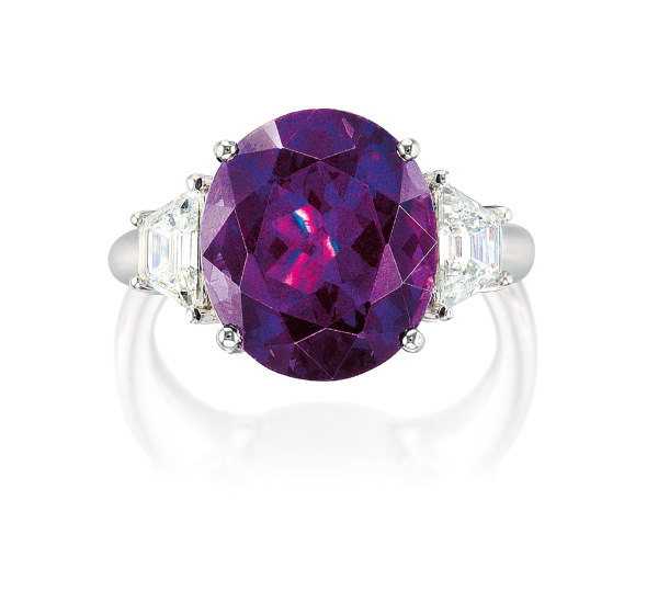 A Colour-changing Spinel and Diamond Ring