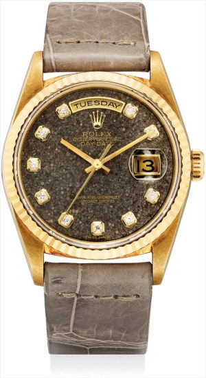 A fine and very rare yellow gold and diamond-set calendar wristwatch with sweep centre seconds and fossil hardstone dial