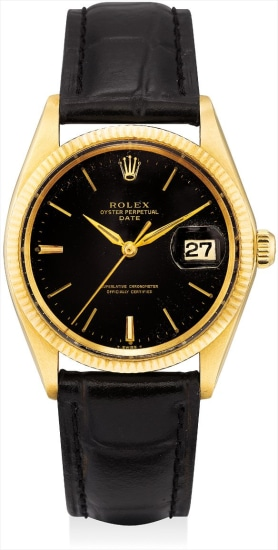 A fine and rare yellow gold wristwatch with sweep center seconds, date and black lacquer dial