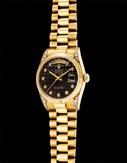 A fine and very rare yellow gold and diamond-set calendar wristwatch with sweep centre seconds, textured onyx dial, bracelet and guarantee
