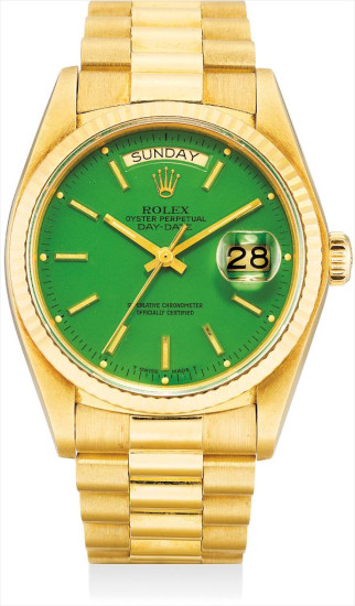 A fine and rare yellow gold calendar wristwatch with sweep centre seconds, green lacquer 'Stella' dial and bracelet