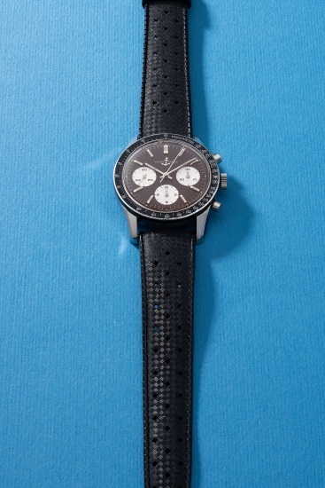 """An attractive and rare stainless steel chronograph wristwatch with """"tropical"""" dial and tachymeter scale"""