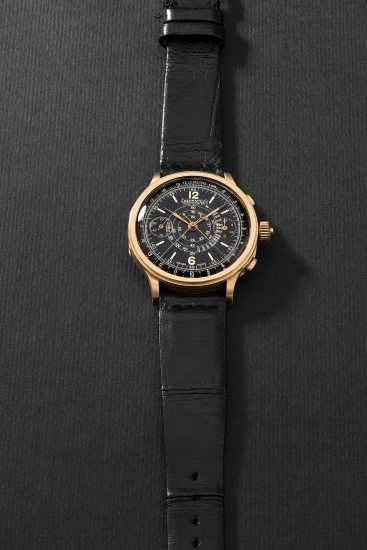 3cfdd0592 Eberhard - A highly attractive and rare yellow gold split-seconds ...