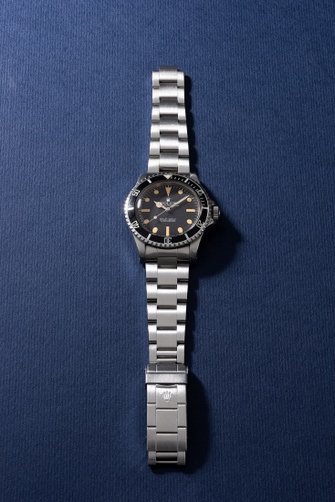 A fine and rare stainless steel diver's wristwatch with sweep center seconds, guarantee, box and hang tags