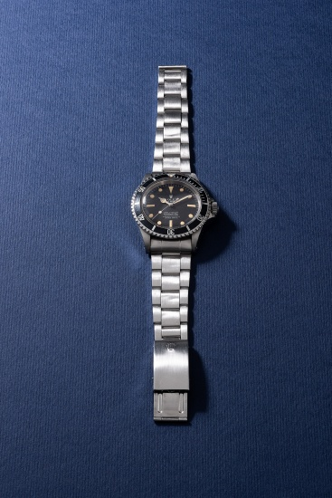 A fine and rare stainless steel diver's wristwatch with sweep center seconds and bracelet