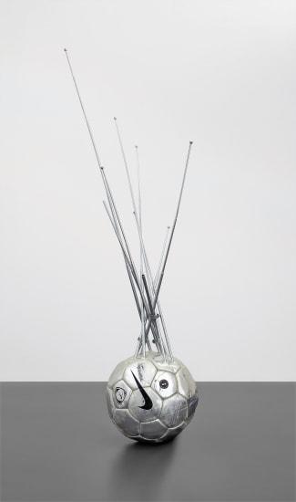 Pelota de fútbol con antenas