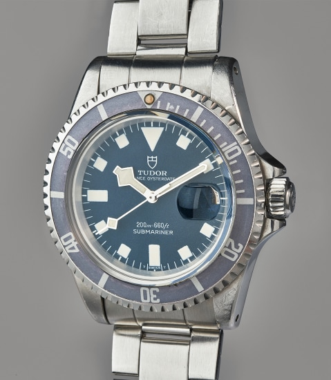 A rare and well-preserved stainless steel divers' wristwatch with bracelet and original presentation box