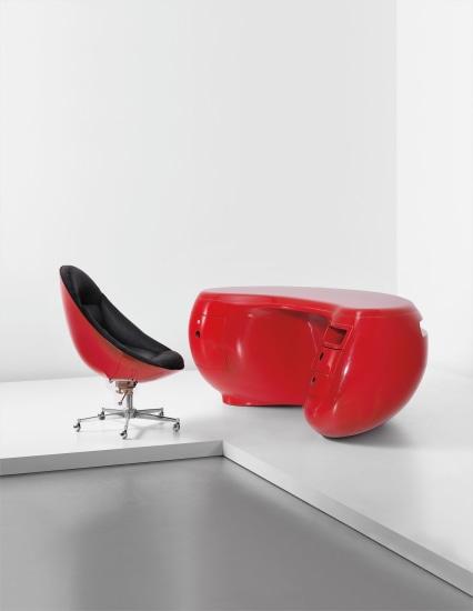 'Boomerang' desk model no. 6462 and adjustable swivel chair