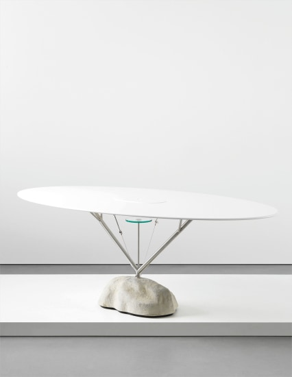 'Flying' table