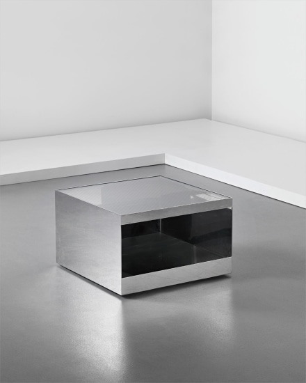 Low rolling table, model no. 6027T