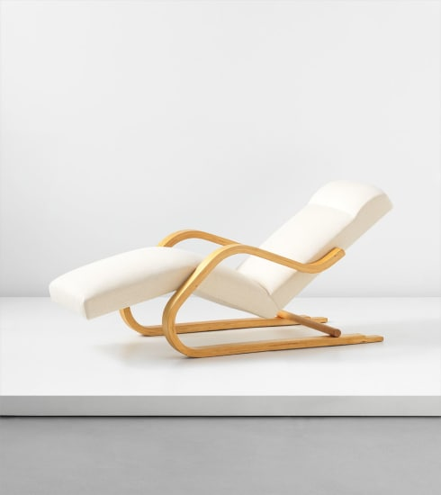 Cantilevered chaise longue, model no. 39