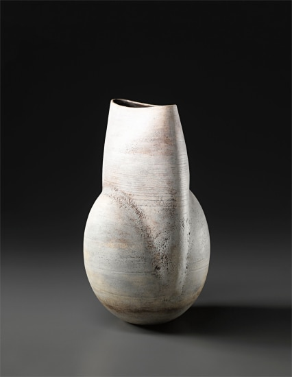 Ovoid pot with flattened and raised neck