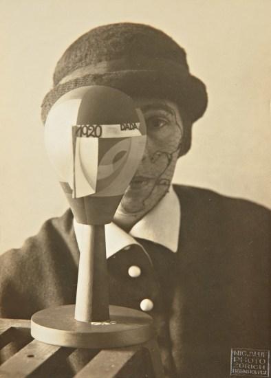 Untitled (Sophie Taeubur-Arp behind Dada head)