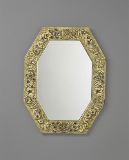'Fiori e Cammei' mirror