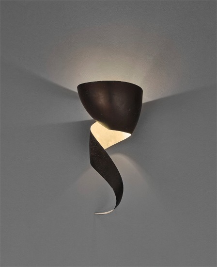 Large 'Flamme' wall light
