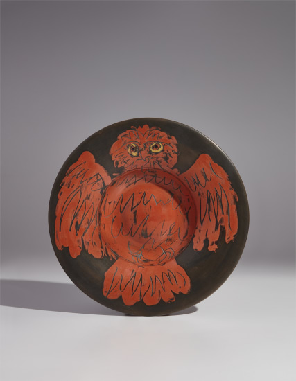 Red owl on black ground (Hibou rouge sur fond noir)