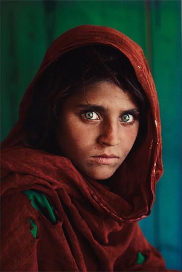 60ee3b1e9efc Steve McCurry - Sharbat Gula, Afghan Girl, Pakistan, 1984 | Phillips