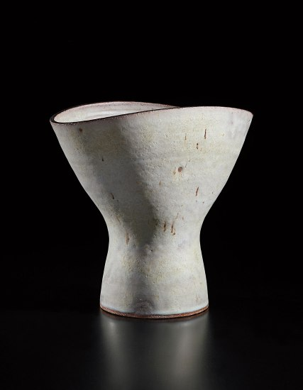 Flower vase with oval lip