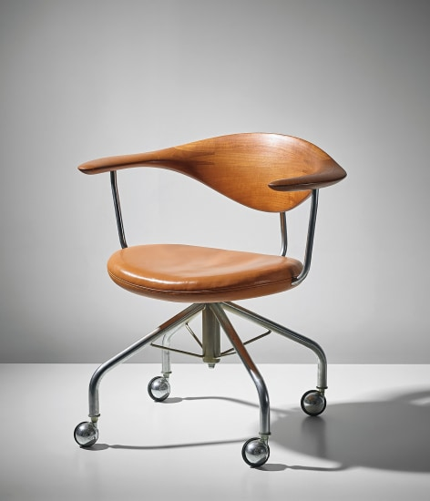 Swivel armchair, model no. JH502