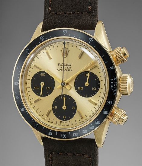 "A very rare and attractive yellow gold chronograph wristwatch with ""3 liner"" dial"