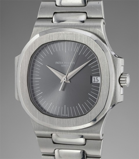A very rare and previously unknown platinum wristwatch with sweep centre seconds, date, bracelet and anthracite grey dial