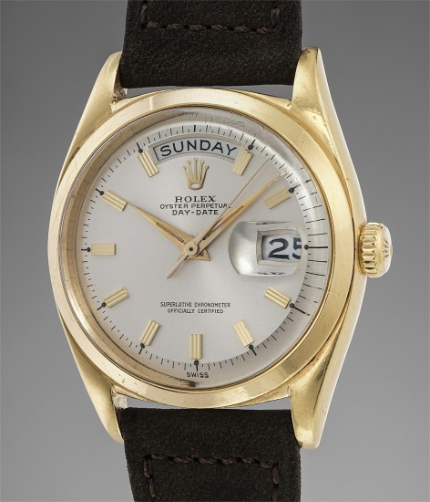 A fine, rare and early yellow gold calendar wristwatch with smooth bezel
