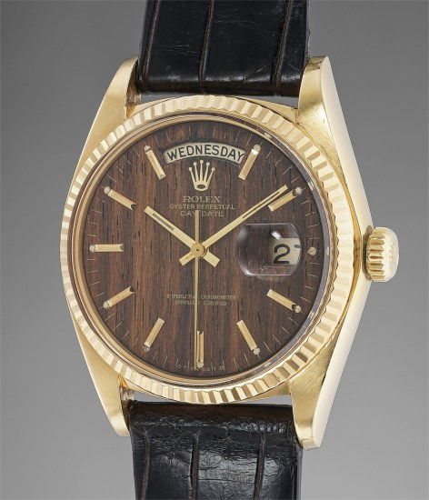 A rare and attractive yellow gold calendar wristwatch with sequoia wood dial