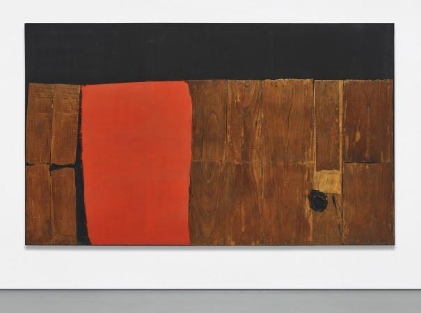 Grande legno e rosso