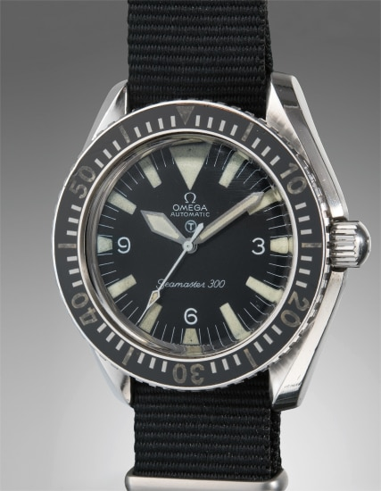 An extremely rare and historically important stainless steel divers wristwatch with center seconds, fixed spring bars and special military markings, made for the British Royal Army