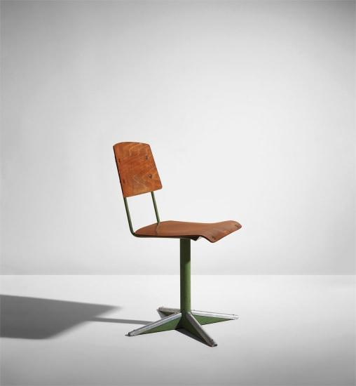 """Dactylo"" pivoting chair, model no. CD 11"
