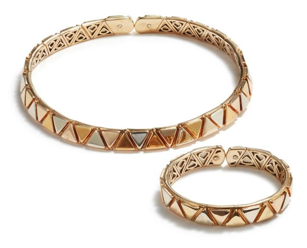 A Tricolored Gold Collar Necklace and Bracelet