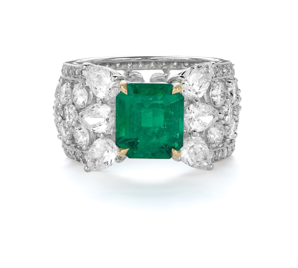 A Colombian Emerald and Diamond Ring
